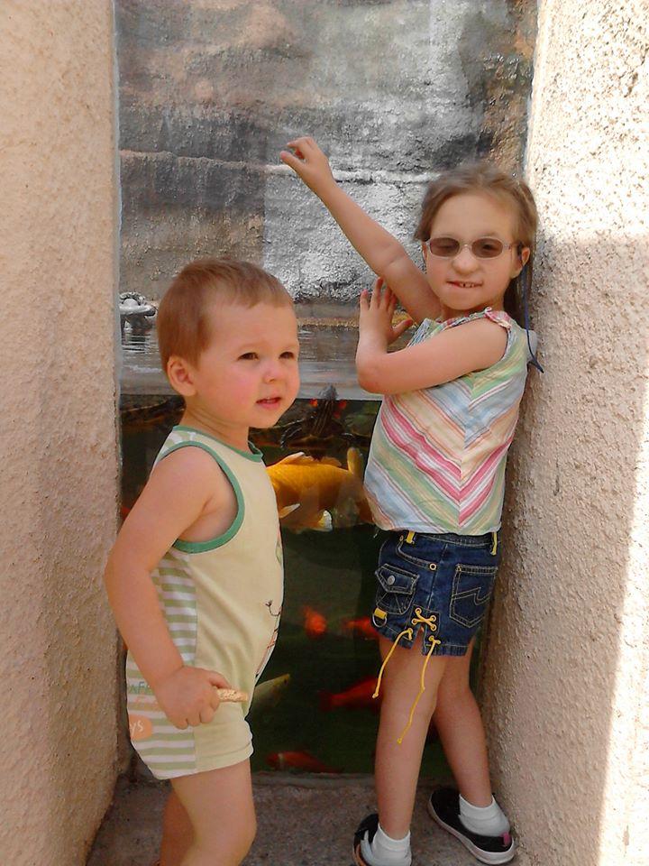 Léana et son petit frère Dorian
